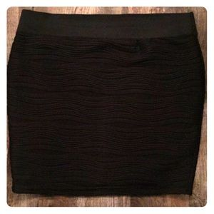 Black skirt with pattern